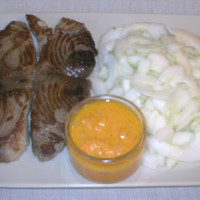Darne de thon rouge mi-cuite et sauce chien